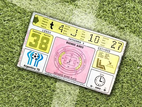 FIFAワールドカップ1930年大会からのFIFAワールドカップチケットデザイン