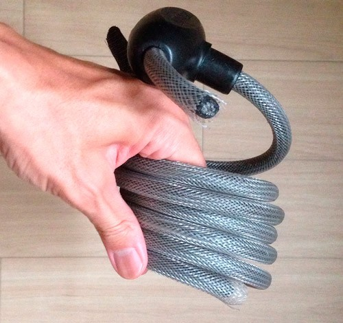 10ミリ径のワイヤーロック「Specialized ワイヤーロック」が簡単に切断されてクロスバイクを盗難される