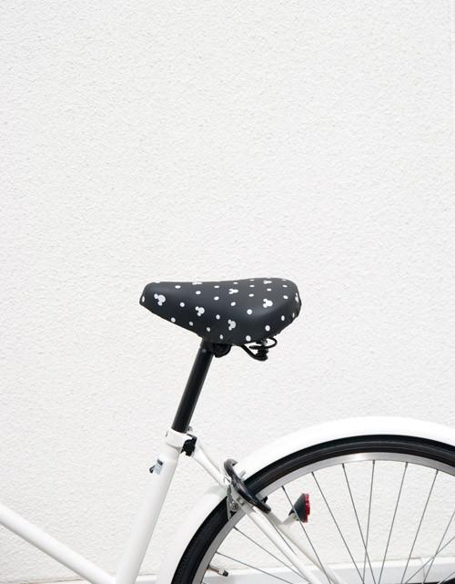 大きいサドル・電動アシスト付き自転車のサドルが破れたら「サドルカバーのびーるチャリCAP ディズニー BIG」がいいかも