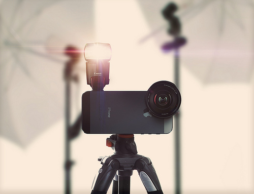 iPhoneを最強カメラにかえる優れものガジェット13